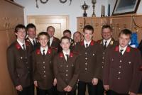 Unsere angelobten Feuerwehrmänner mit dem stolzen Kommandanten OBI Stotter und dem Bezirksfeuerwehrvorstand